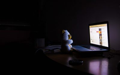 Az álmatlanság és a kialvatlanság jelei