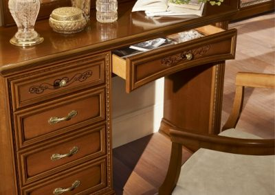 Torriani dió fésülködőasztal