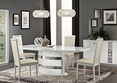 Roma étkező asztal