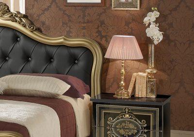 Alice fekete-arany ágy éjjelivel