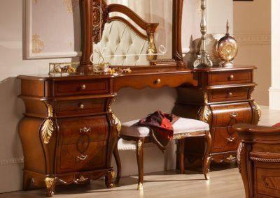 Medea dió fésülködő asztal