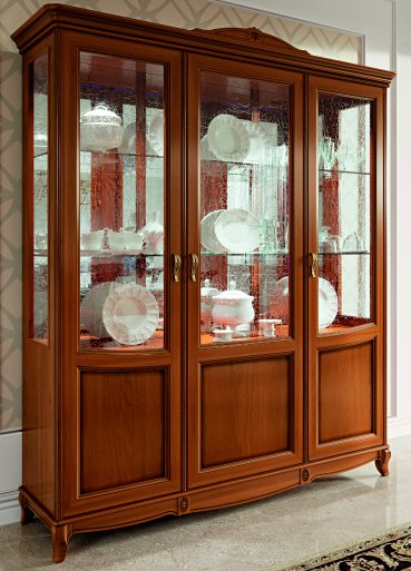 Fantazia 3 ajtós vitrines szekrény