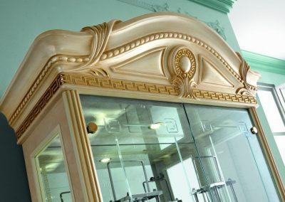 Aida 2 ajtós vitrines szekrény